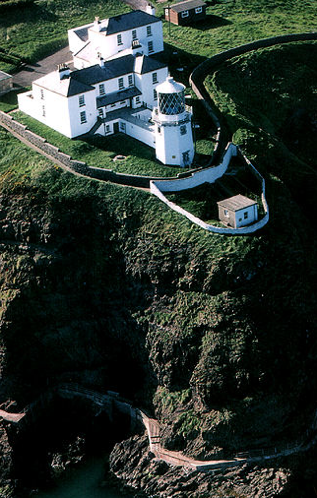 Blackhead Lighthouse - photo sourced from commissionersofirishlights.com