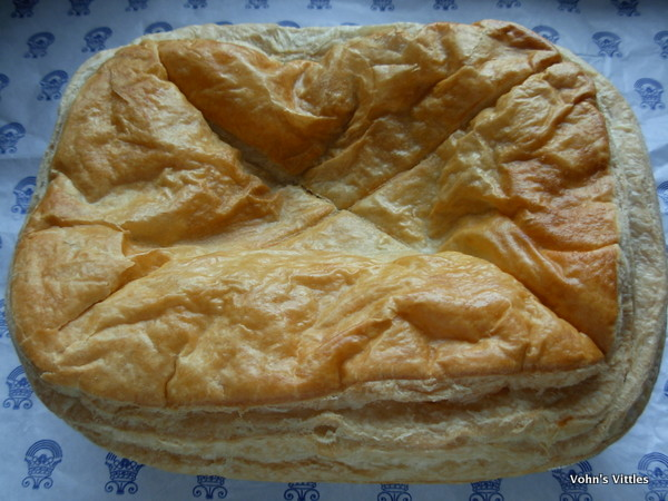 Hopetoun steak pie uncooked