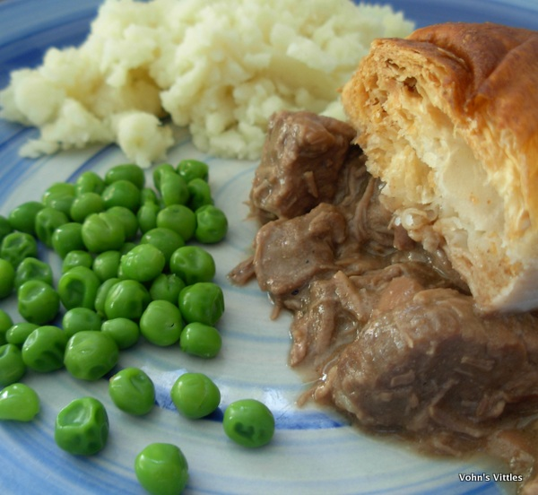 Hopetoun steak pie and mash