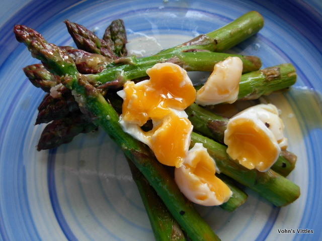 Apsaragus and quails eggs