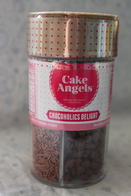 Chocoholics delight cake sprinkles giveaway